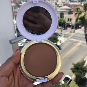 BRAND NEW MAC Next To Nothing Bronzing Powder!